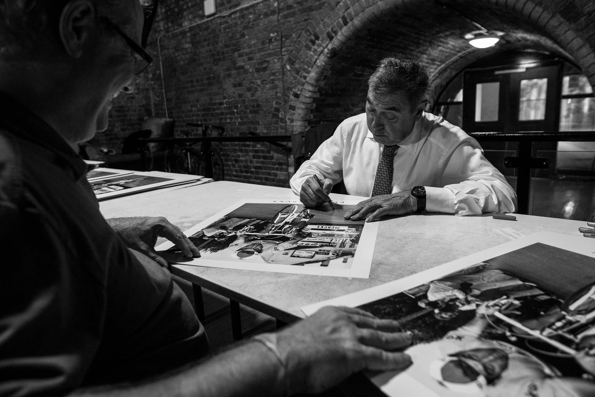 Eddie Merckx signs autographs