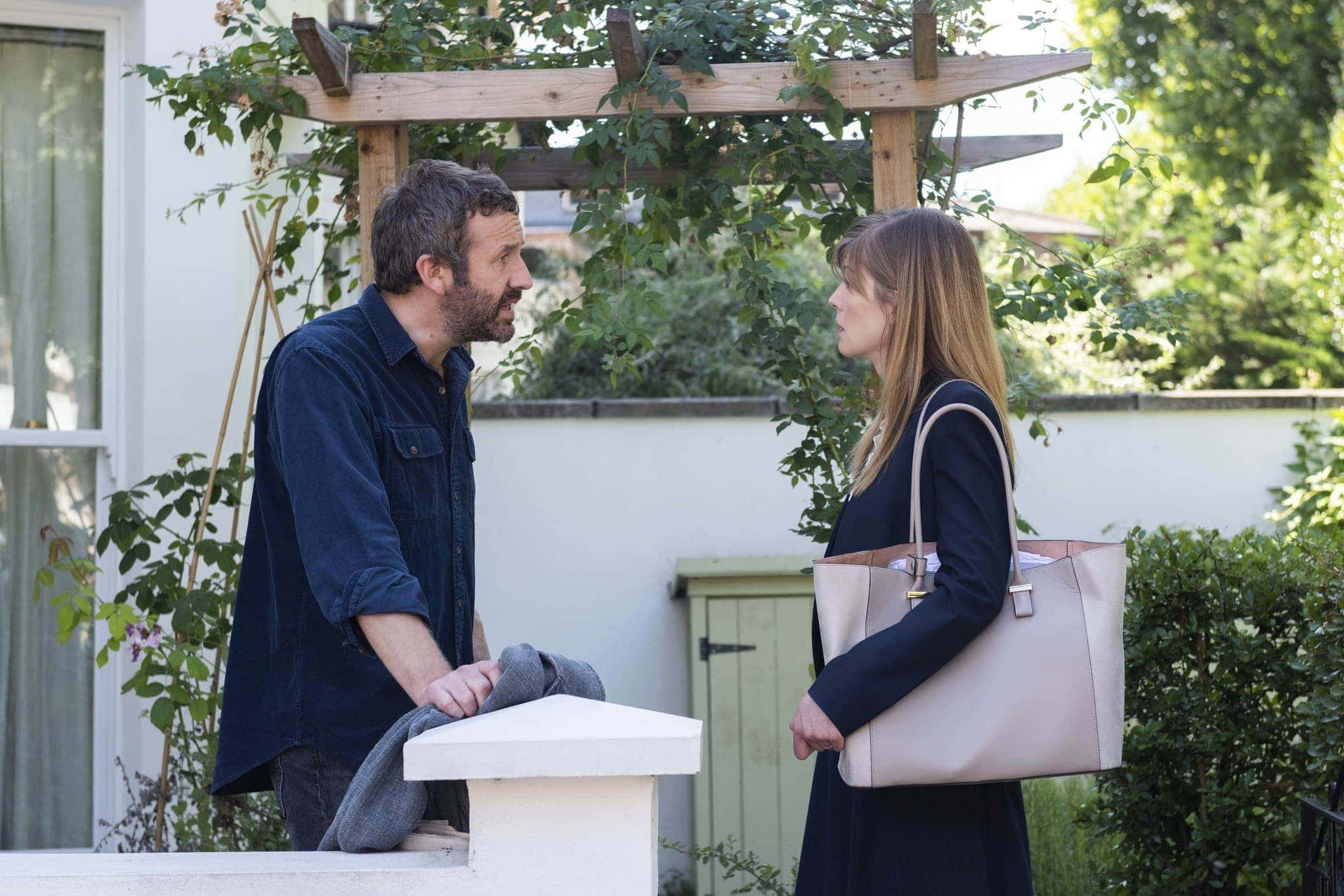 Rosamund Pike as Louise, Chris O'Dowd as Tom- State of the Union _ Season 1, Episode 2 - Photo Credit: Parisatag Hizadeh/Confession Films/SundanceTV