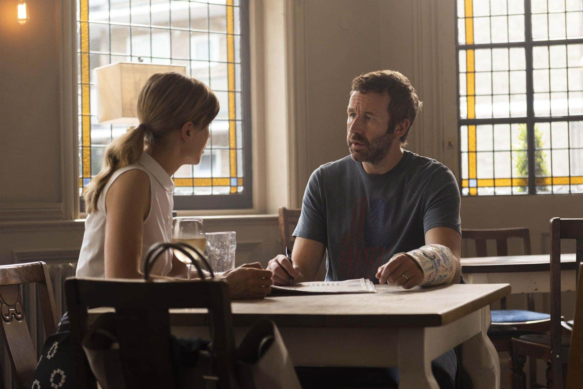 Rosamund Pike as Louise, Chris O'Dowd as Tom - State of the Union _ Season 1, Episode 4 - Photo Credit: Parisatag Hizadeh/Confession Films/SundanceTV